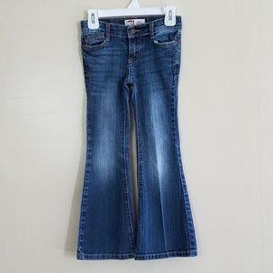 """L.e.i """"Gabby"""" Lowrise Flare Jeans. Studded Pocket."""